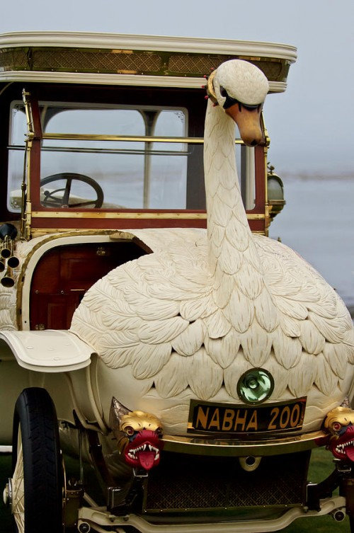 A Swan Car From 1910