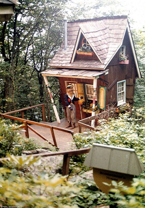 Scarecrow House